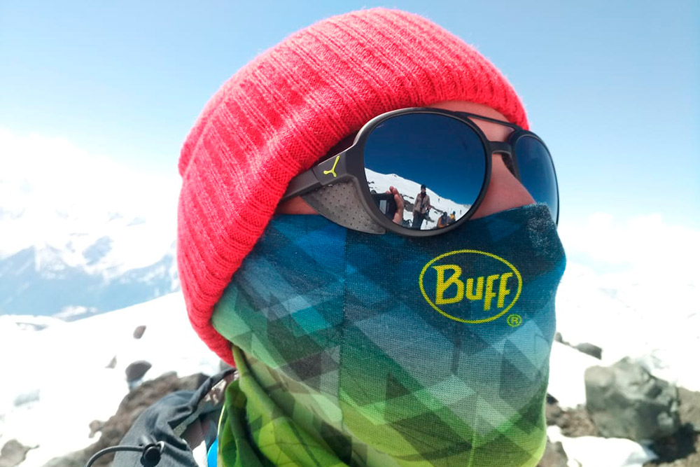 Бафф и балаклава хорошо закрывают лицо, но из-за испарений быстро покрываются ледяной коркой — лицо замерзнет