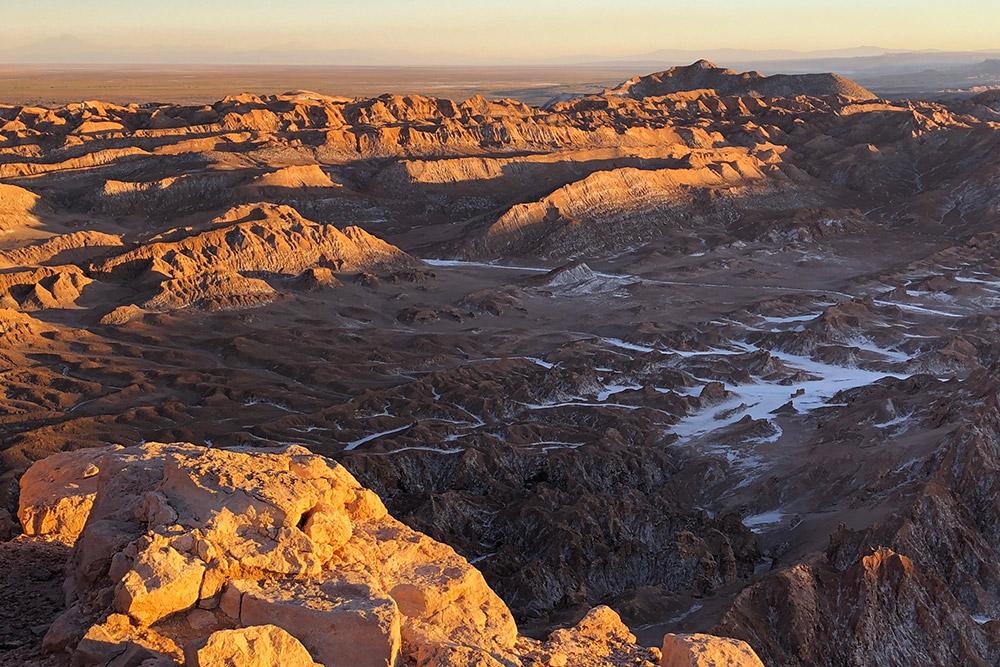 Лунная долина в пустыне Атакама в Чили