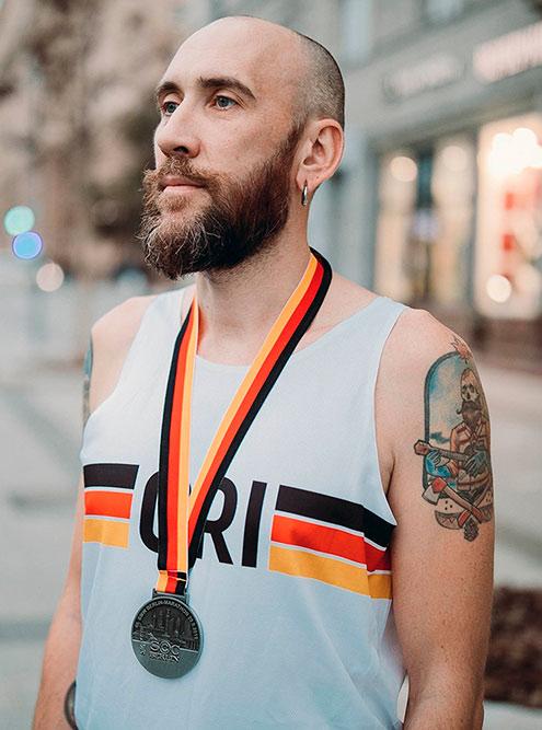 Так выглядела майка для Берлинского марафона. В 2020году Григорий рассчитывает поехать туда с коллекцией GRI