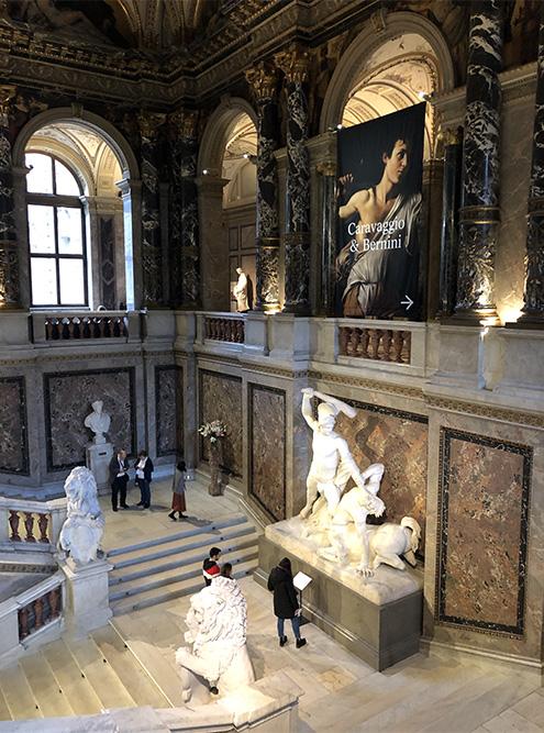 В Вене постоянно проходят интересные и уникальные выставки. Я попала на большую выставку работ Караваджо и Бернини