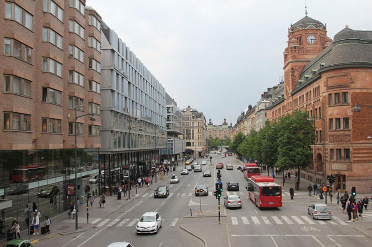 Одна из центральных улиц Стокгольма