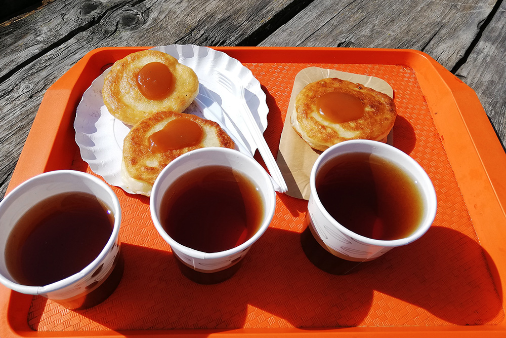 За&nbsp;оладьи и&nbsp;чай заплатили 270&nbsp;<span class=ruble>Р</span>