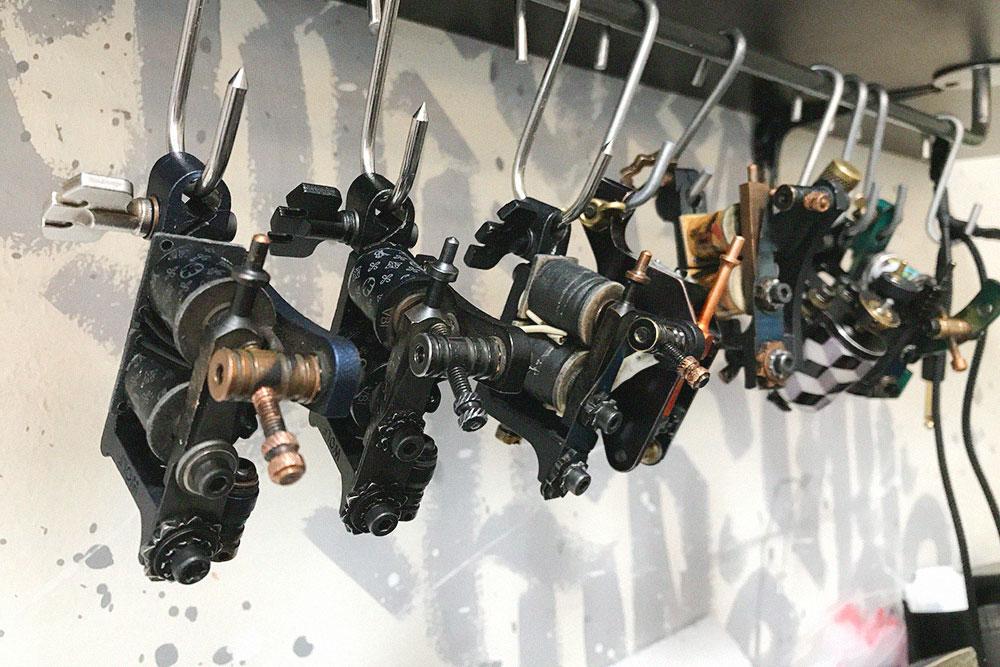Все машинки на фото разные и стоят от 14 до 20 тысяч рублей