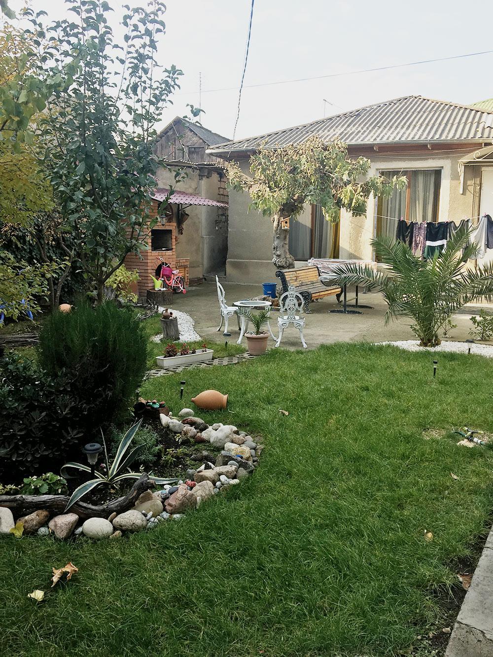 Наш дом в районе Исани. Мангал и живые черепахи во дворе шли бонусом