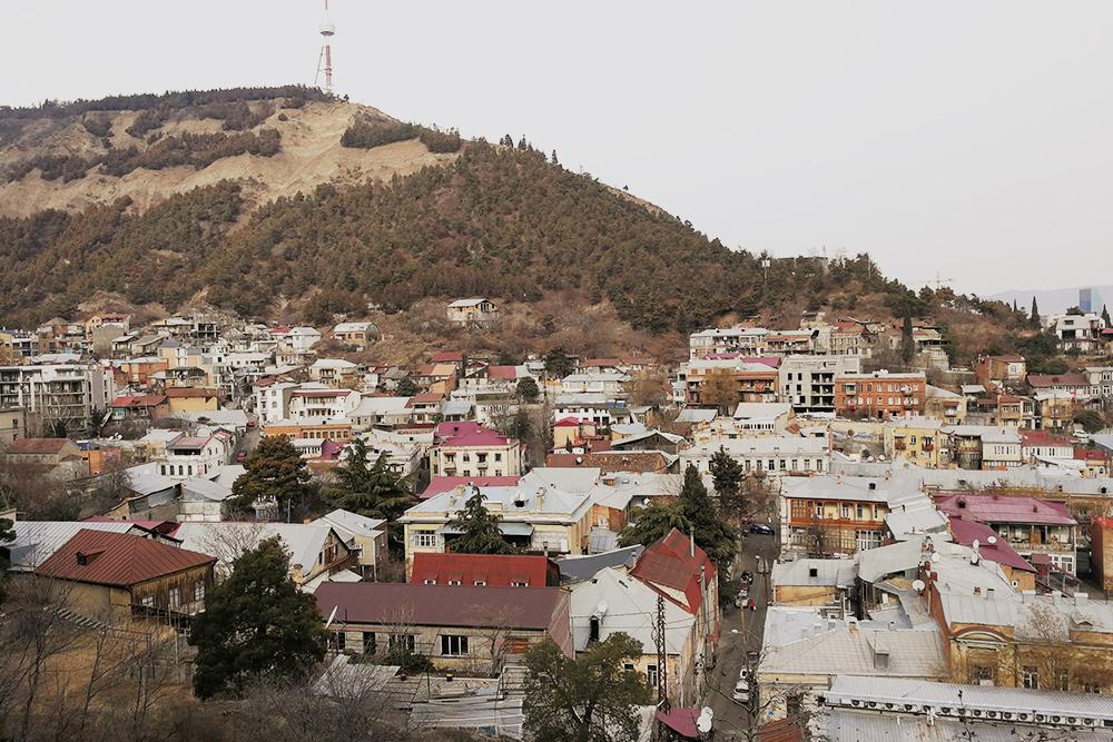 Район Сололаки и гора Мтацминда с Тбилисской телебашней