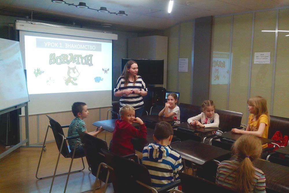 На первых занятиях дети рисовали раскадровки мультфильмов