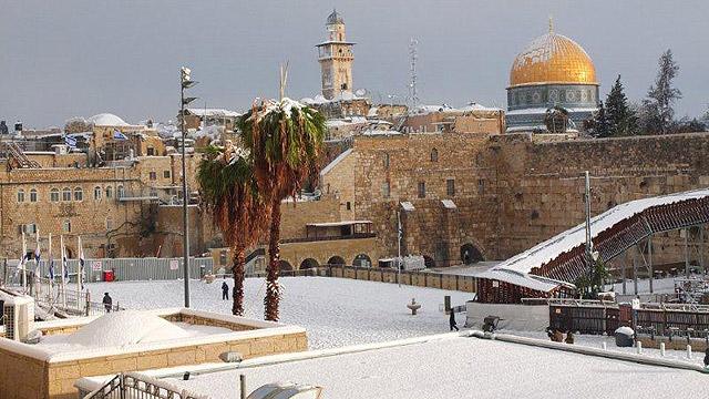 Снег в Иерусалиме — большая редкость и стихийное бедствие. Источник: ynet.co.il