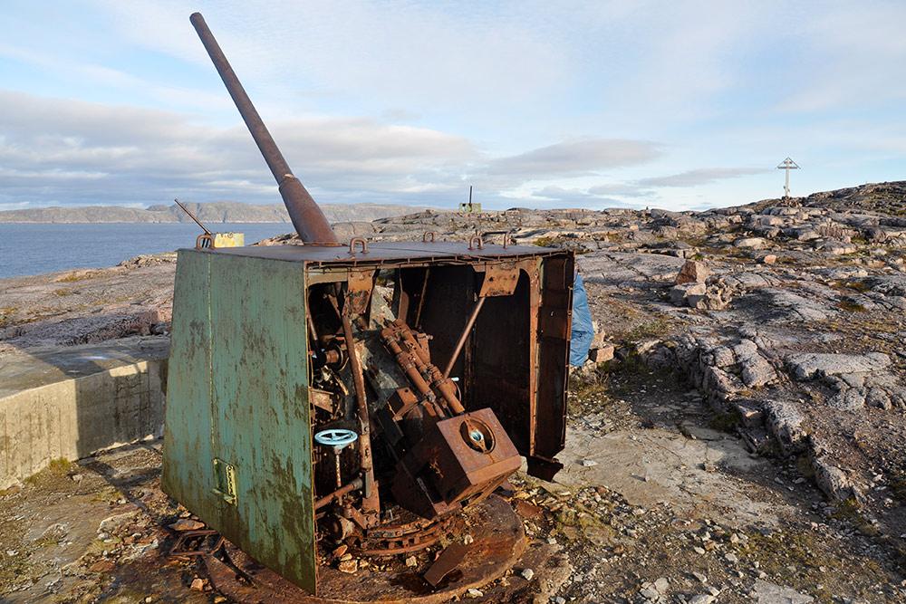 Еще одна достопримечательность Териберки — артиллерийские батареи, которые использовались длябереговой обороны вовремя Великой Отечественной войны