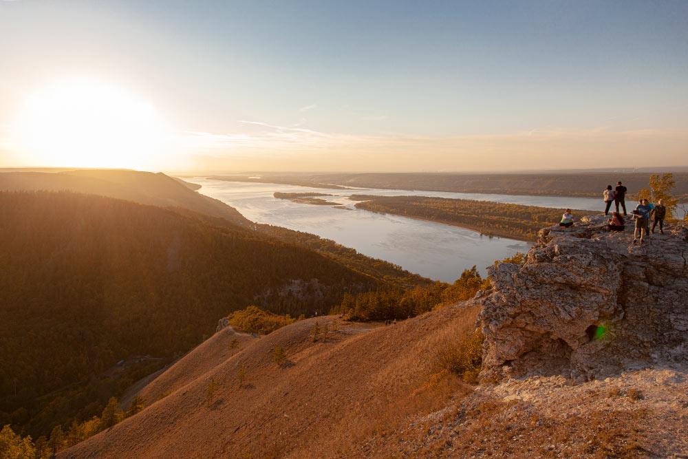 Вид на Волгу с горы Стрельной