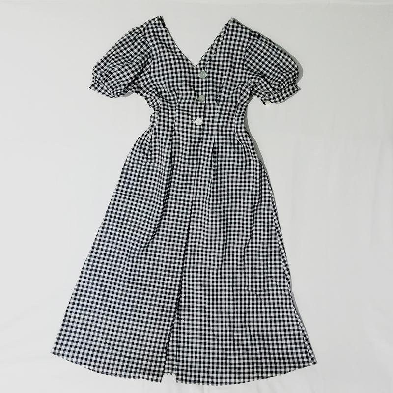 Теперь я научилась покупать на «Али» нормальные платья из натуральных тканей. Например, вот такое хлопковое макси-платье в ретростиле