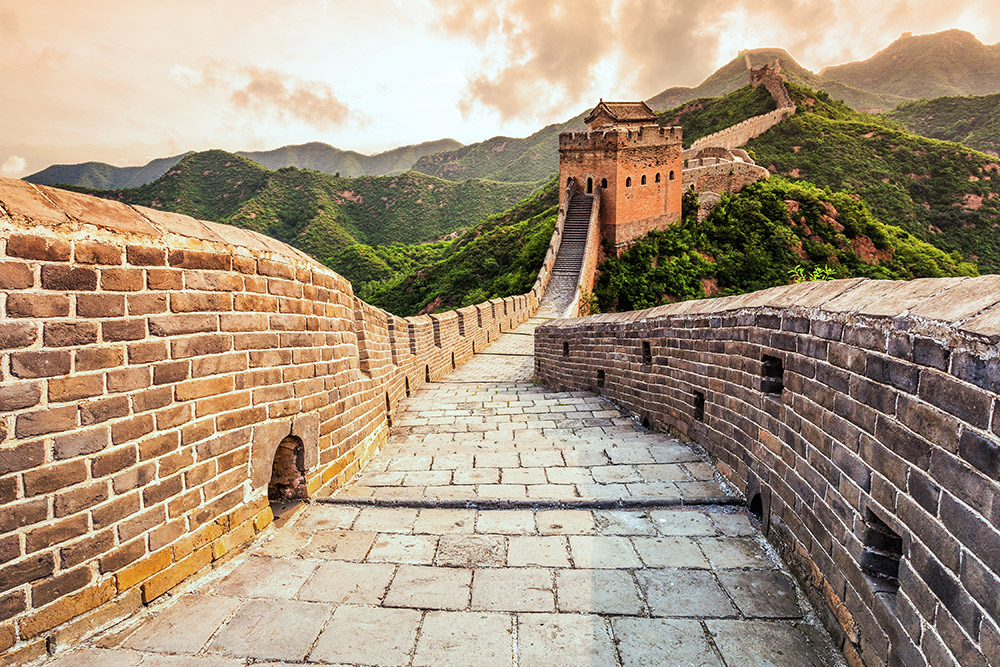Так стену представляют туристы. Источник: zhu difeng / Shutterstock