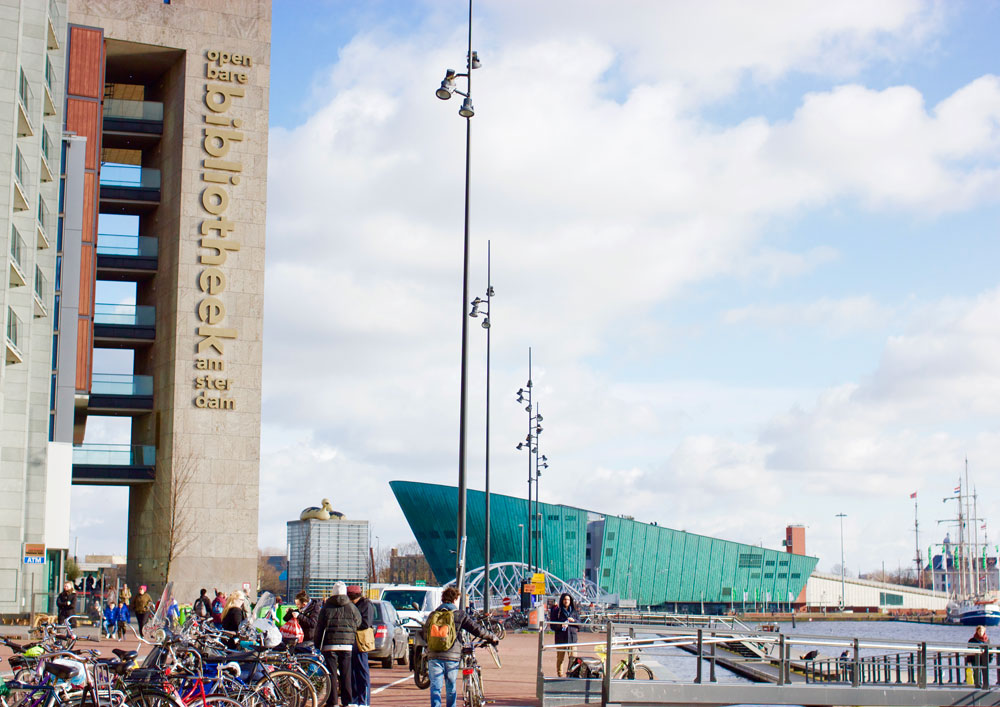 Смотровые площадки Амстердама: центральная библиотека и музей Немо