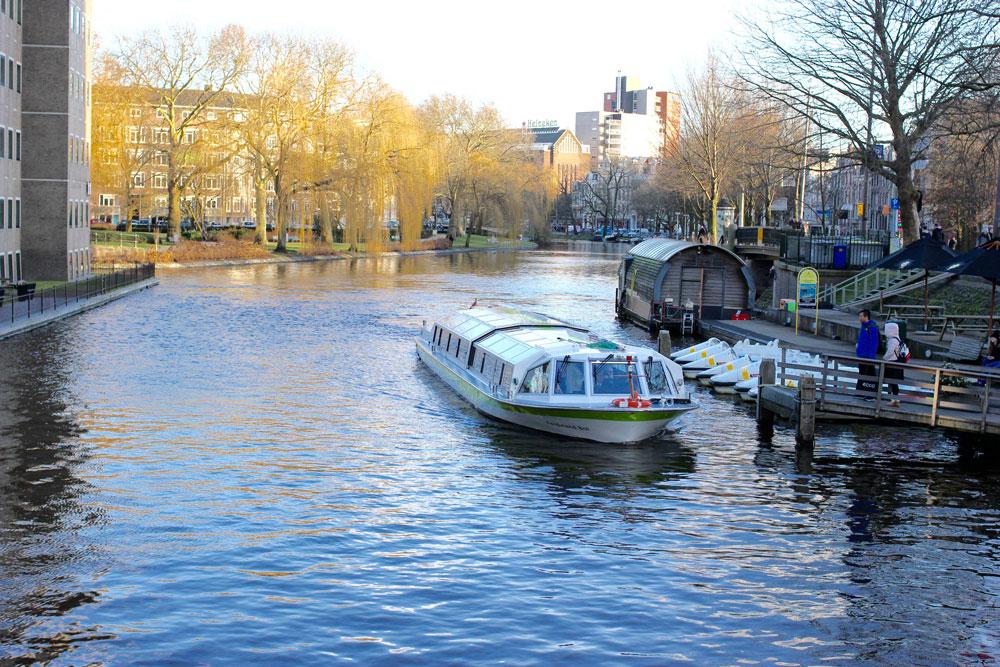 Экскурсия по каналам Амстердама с аудиогидом