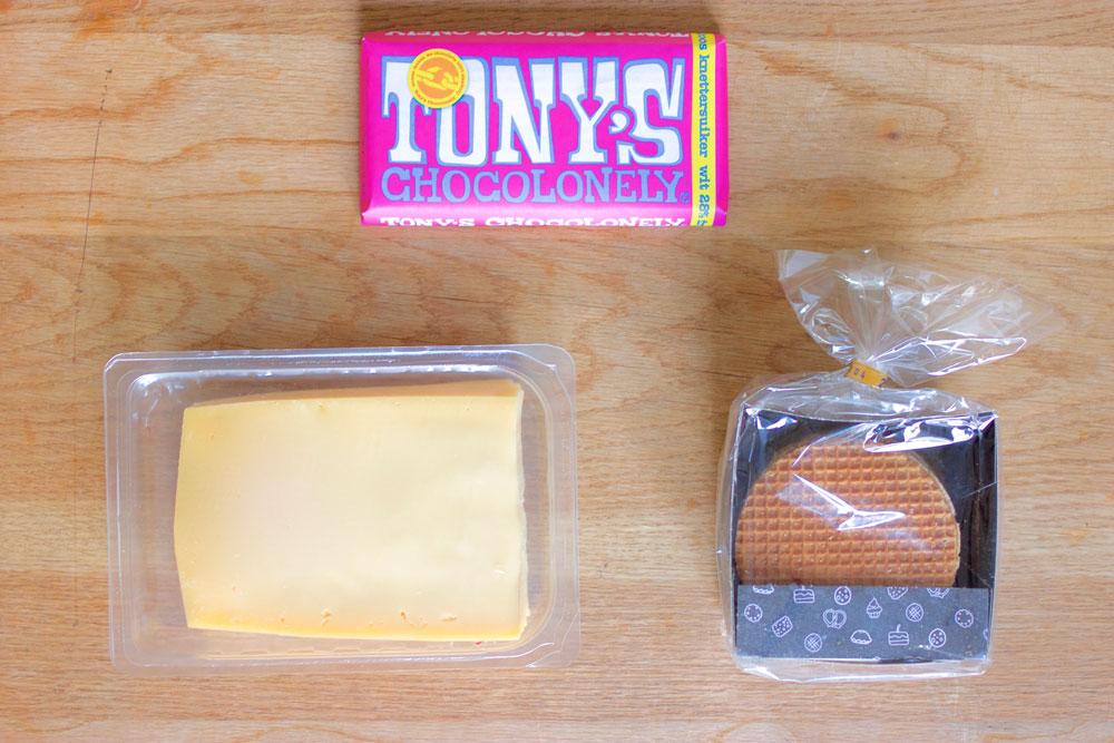 Мои сувениры: шоколад, сыр и вафли