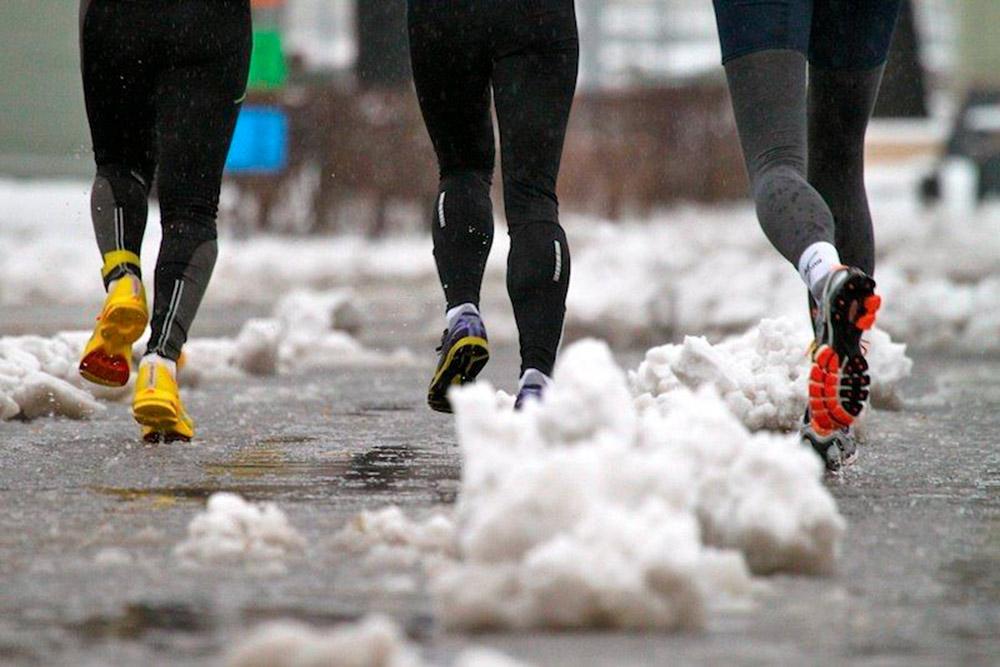 Воктябре 2013года был забег «Осенний гром», который яникогда незабуду. Заночь выпало много снега, аутром пошел дождь. Участники скупали что угодно, лишьбы остаться сухими инеумереть отхолода: штаны, кроссовки, носки. Прибыль составила 60тысяч рублей