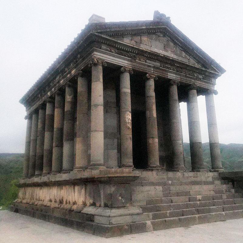 Языческий храм Гарни 1 века до н. э.
