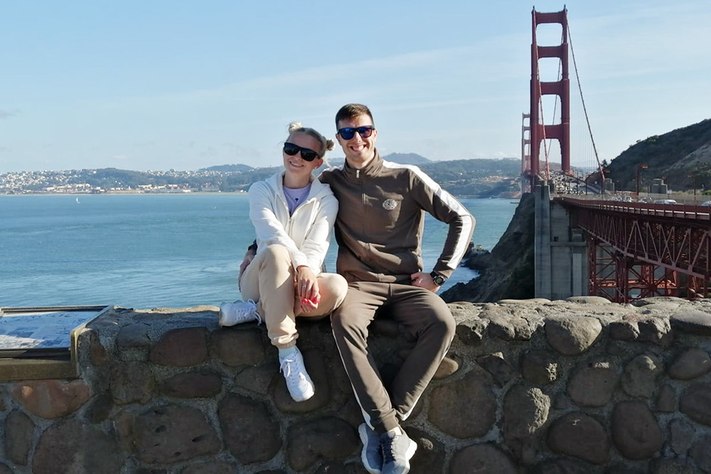 Мы с Алёной у моста Золотые Ворота
