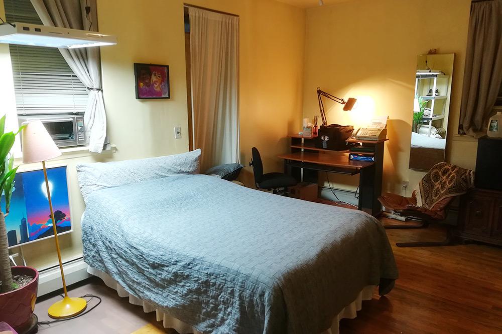 Так выглядела наша комната в Гарлеме