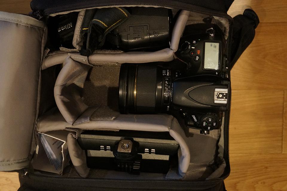 Комплект оборудования, который Михаил берет на съемку
