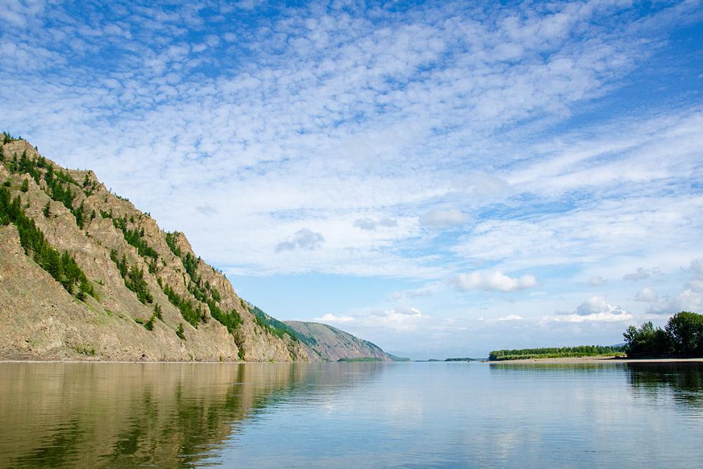 Река Колыма и прибрежные сопки
