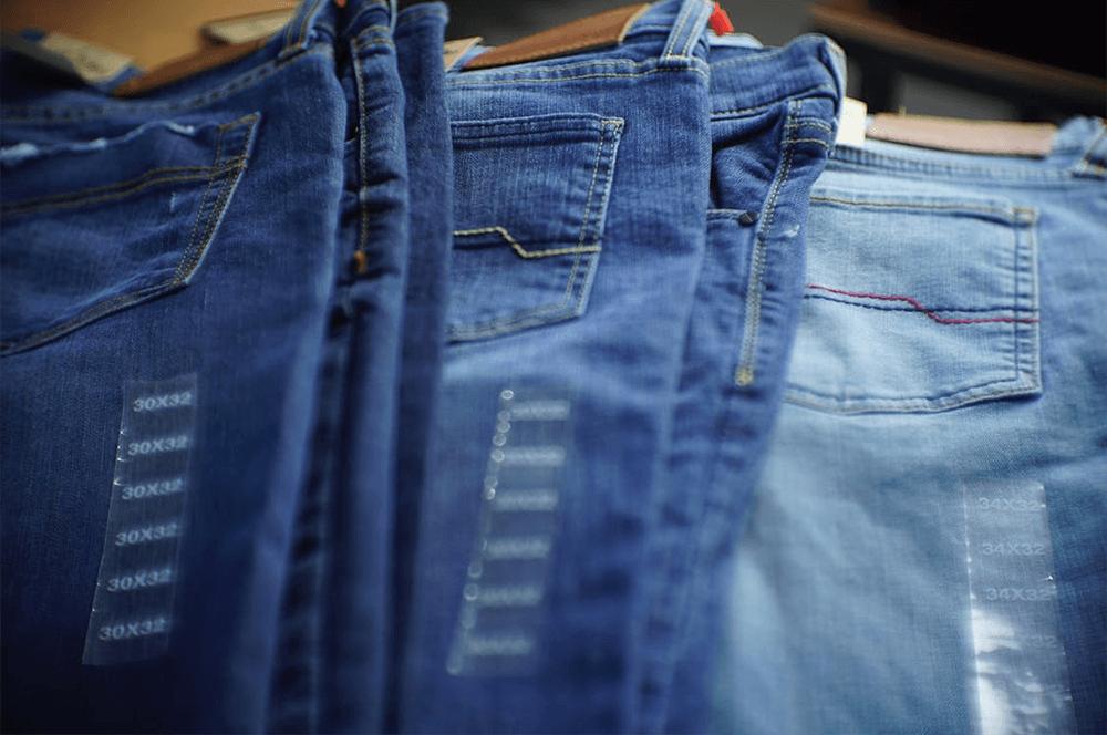 Голубой — денежный цвет. Поэтому я всегда покупаю только голубые джинсы