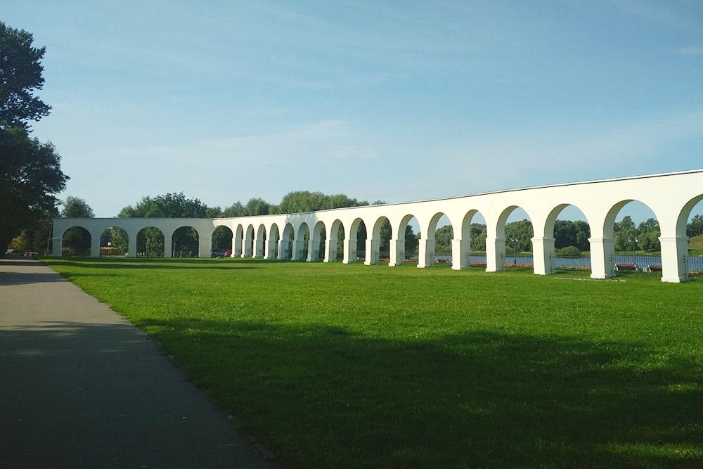 Вид на аркаду Гостиного двора