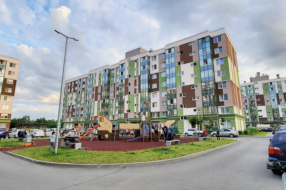 Янино активно застраивают. Новотличие отнекоторых других районов дома здесь строят восновном в9этажей, анев25
