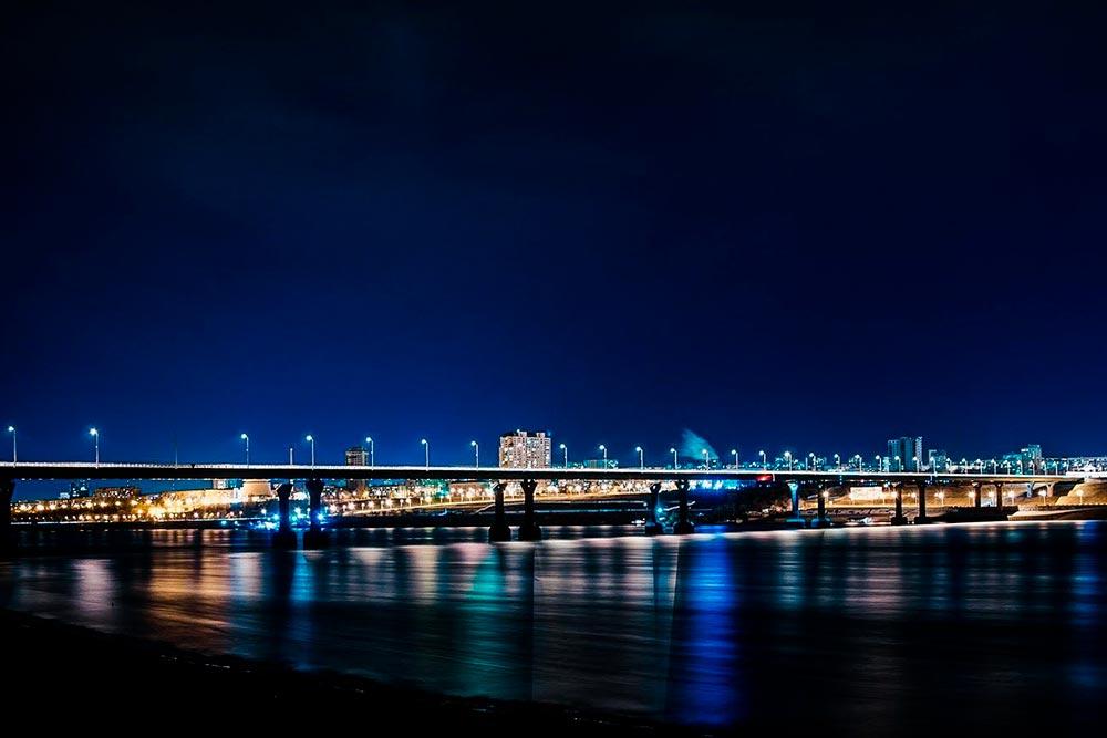 Этот мост через Волгу в2010году получил неофициальное название танцующего: сильный ветер раскачал его так, что пришлось даже остановить автомобильное движение