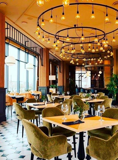 У ресторана «Победа» красивые залы с видом на Мамаев курган: Фото: @pobeda_restoran