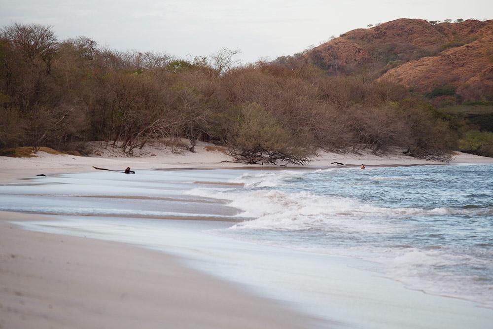 Дикий пляж рядом с Кончалем