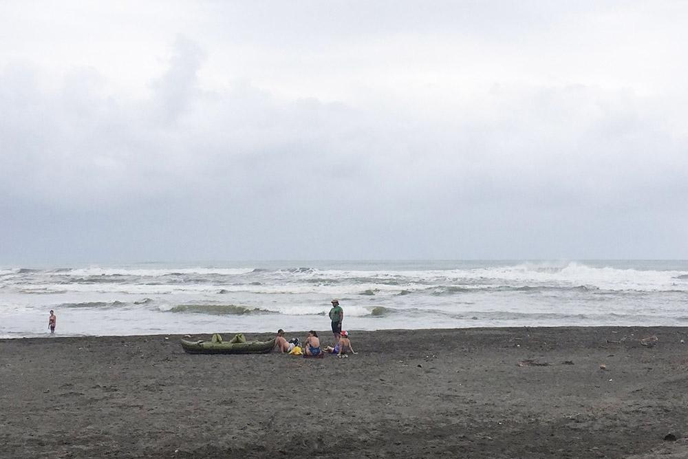Пляжи Атлантического побережья выглядят как в кино, но к отдыху мало располагают