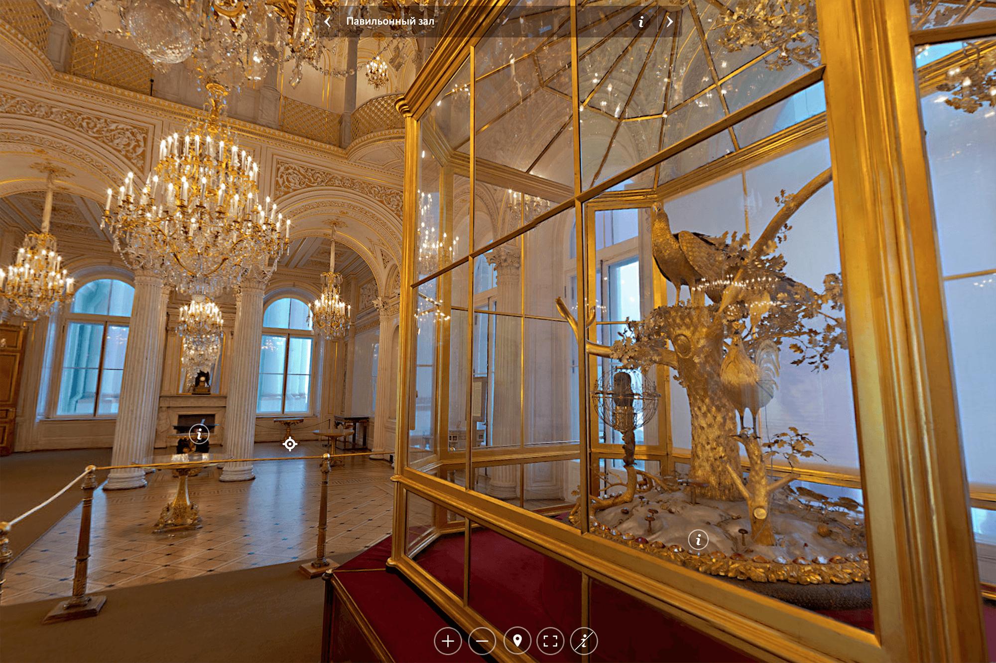 Часы «Павлин», подаренные Екатерине II князем Потемкиным, находятся в Павильонном зале Эрмитажа