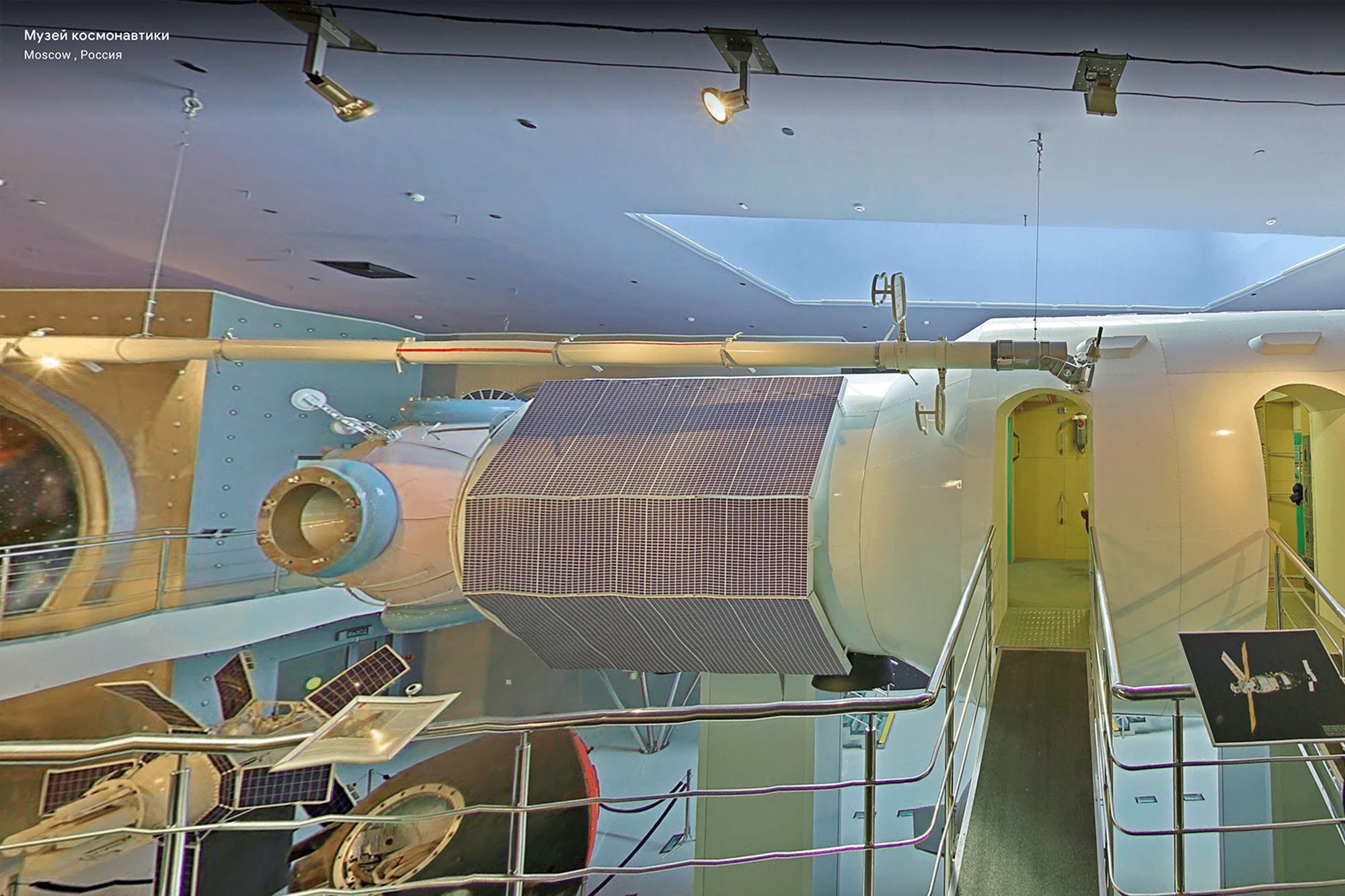 Макет блока станции «Мир» — самый популярный экспонат музея. С него начинается виртуальный тур