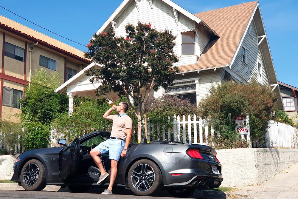 В Лос-Анджелесе мы нашли дом героя Доминика Торетто из фильма «Форсаж». Сегодня он жилой, но хозяева не против желающих сделать фото
