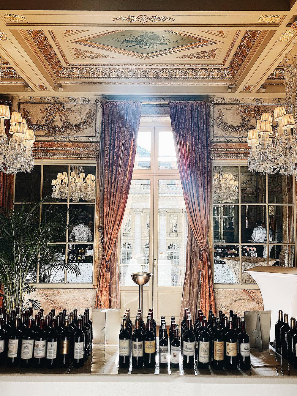 Так выглядят дегустации нового винтажа в Бордо, которые проводят дляимпортеров и винных критиков. Фото: Союз Гран Крю Бордо. Гран Крю — это официальный статус топовых производителей вин, впервые утвержденный в 1855году
