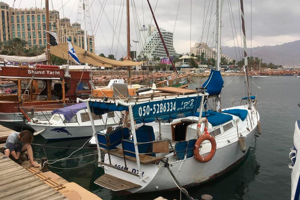 Одна из лодок, на которых мы обучаемся