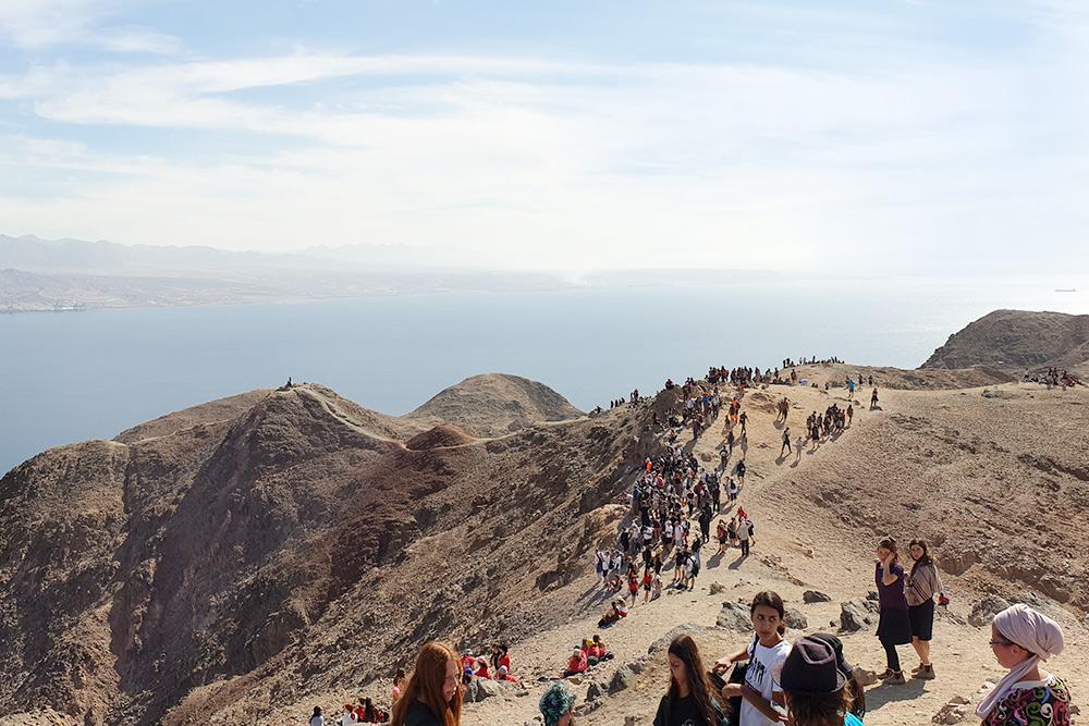 Пустыня Негев выходит прямо к Красному морю. Фото: Даниил Куваев