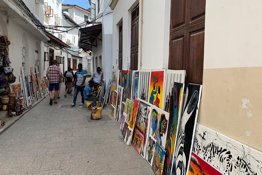 Некоторые улицы Стоун-тауна такие узкие, что напомнили мне Венецию