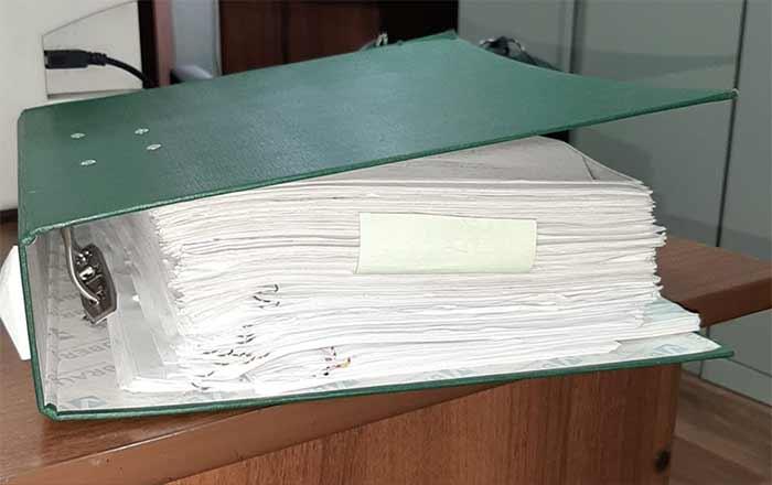 В каждой организации есть вот такая папка: в ней хранятся объяснительные работников