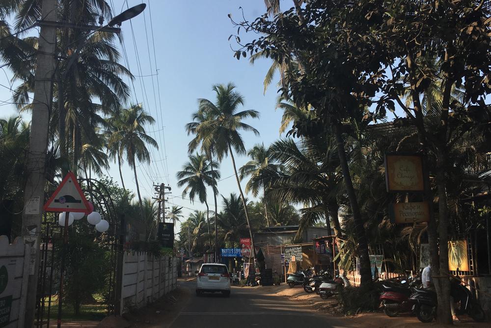 Типичная улица в прибрежном поселке Гоа