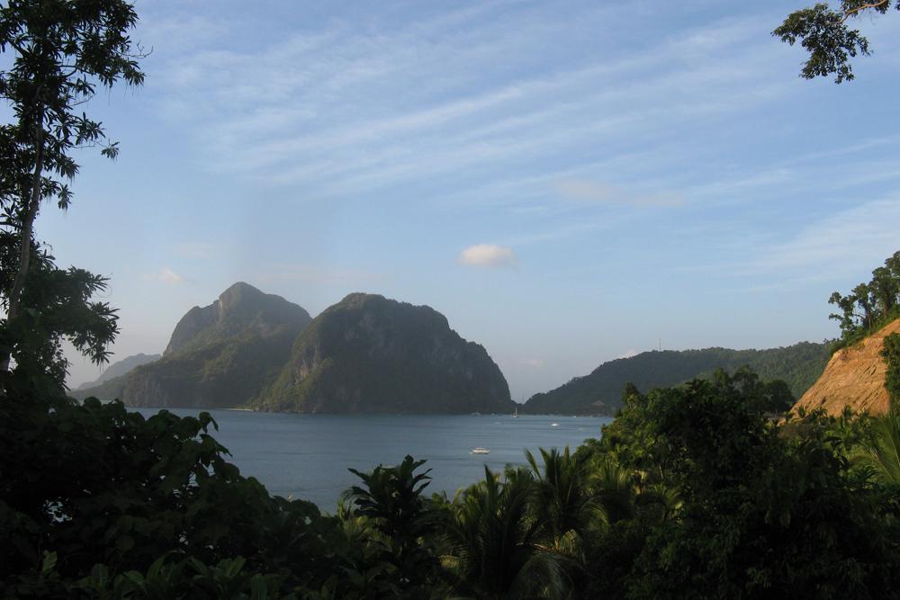 Виды на Эль-Нидо. Типичная островная Юго-Восточная Азия. Можно сказать, обычная повседневность филиппинца