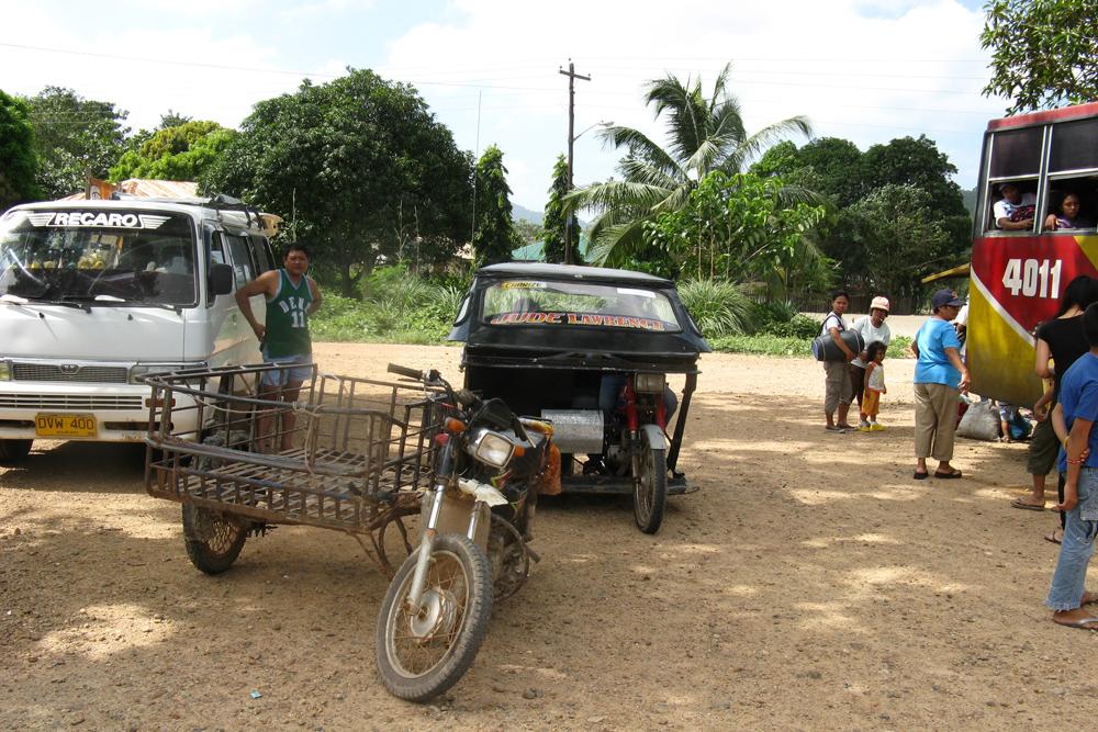 На Филиппинах ездят на всем, у чего есть колеса. Автолюбители — настоящие Самоделкины