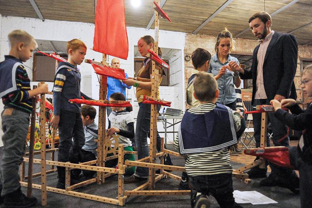 Собираем модель парусника «Надежда», на котором Крузенштерн совершил кругосветное плавание. Программа «И. Ф. Крузенштерн — человек и пароход»