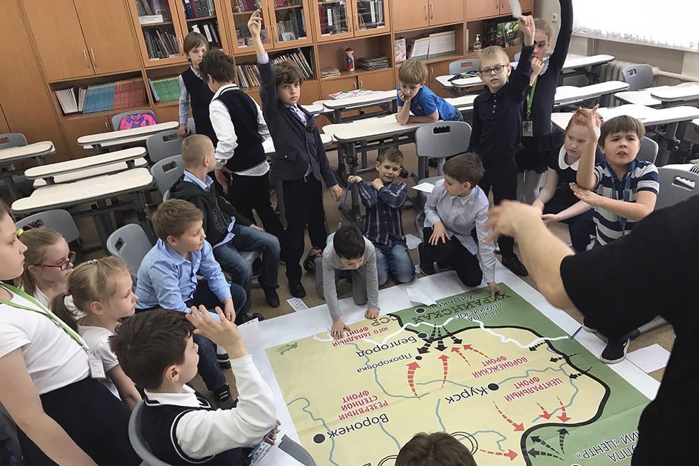 Во время программы «Великая Курская дуга» дети придумывают стратегию битвы