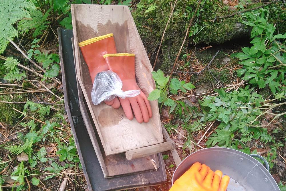 Лоток — второе главное оружие геолога после молотка
